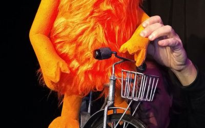 Teatro de títeres: Monstruo Naranja